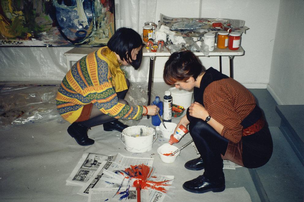 """""""Begegnungen"""", Gemeinschaftsarbeit mit Yin Xiuzhen,  Galerie ozwei, Berlin, 1993"""