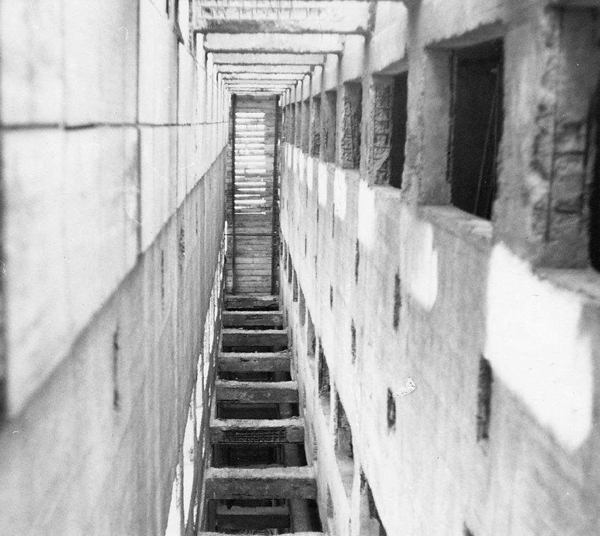 Foto Gleitkerne Hochhaus Marzahn, Plenair 1981, Serie im Kupferstichkabinett Dresden