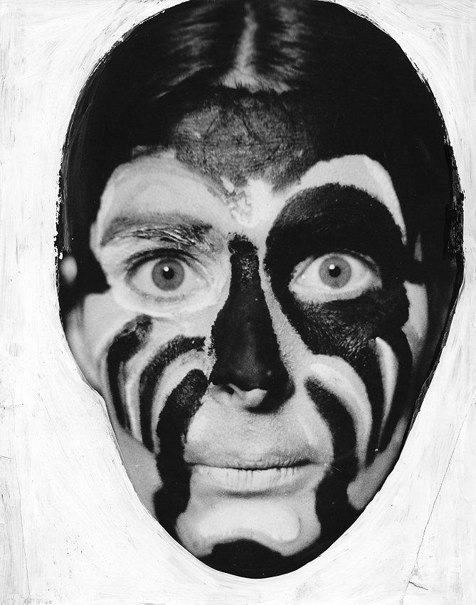 """""""Gesichtsbemalung"""", Foto übermalt, 1979"""